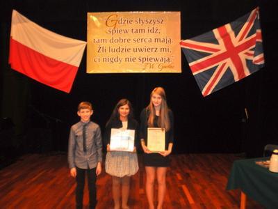 3 grudnia 2013 roku uczniowie klasy VI wzięli udział w III Małopolskim Festiwalu Piosenki Angielskiej