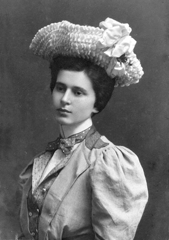 Róża, Krystyna, Kazimiera, Aleksandra Kołaczkowska z domu Boduszyńska, córka Stanisława i Jadwigi