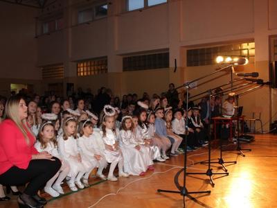 Zdjęcia z wieczoru kolęd i Pastorałek w ZPO im. JPII w Gościeradowie