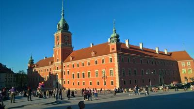 Wycieczka do Sejmu i muzeum Powstania Warszawskiego.