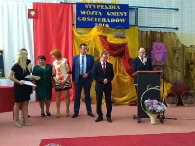 W dniu 30 września 2016 roku w ZS w Liśniku Dużym Wójt Gminy Gościeradów Pan Mariusz Szczepanik, wr