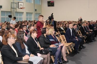 Na zdjęciu od prawej dyrektor ZS Nr 1 p. Mieczysława Taczalska, p. Wiesława Widomska, p. Agnieszka Kot