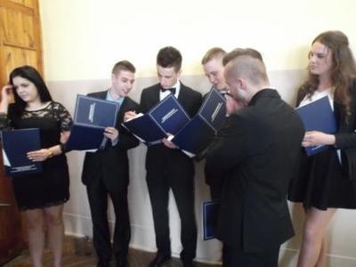 Na zdjęciu od lewej Dominika Kawęcka, Patryk Pelak, Michał Sidor, Daniel Ul, Dawid Zięba, Karolina Wi