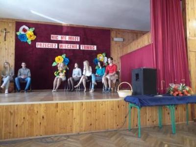Na zdjęciu od prawej Mateusz Jaśkiewicz, Sylwia Wąsek, Magdalena Budzyńska, Katarzyna Flis, Marzena B