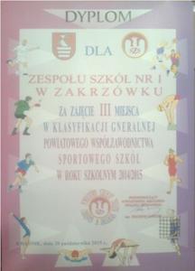 Na zdjęciu dyplom dla Zespołu Szkół Nr 1 za zajęcie III miejsca w klasyfikacji generalnej