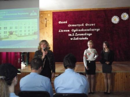 Na zdjęciu od lewej Dyrektor ZS Nr 1 Mieczysława Taczalska, Magdalena Budzyńska, Marlena Warsińska