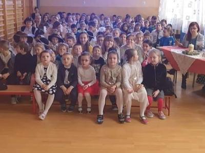 IV Gminny Konkurs Kolęd i Pastorałek, czyli wspólnie kolędujemy w domu i w szkole - już za nami. By�