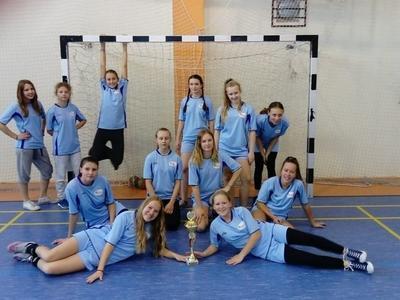 Reprezentacja Kuklówki ruszyła na kolejne zawody sportowe do sąsiednich Radziejowic. Na turniej piłki