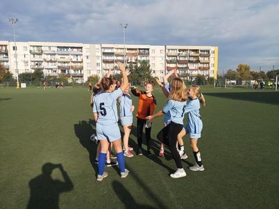 Powiatowe zawody w piłce nożnej dziewcząt. Piąte miejsce!