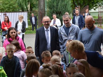 W dniu 4 września br SP11 rozpoczęła nowy rok szkolny. W tym dniu nasza szkoła powiększyła się o c