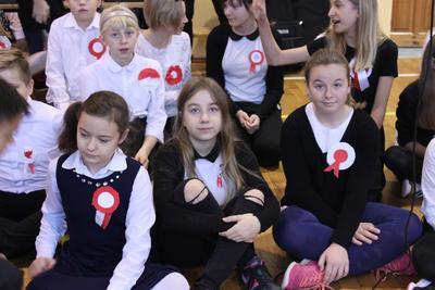 W piątek, 10.11.2017 roku, na sali gimnastycznej naszej szkoły, odbył się apel z okazji Święta Niep