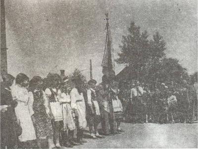 Pierwszy sztandar szkoły.