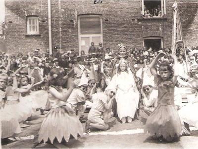 Występy uczniów podczas zakończenia roku szk. 1938/39.