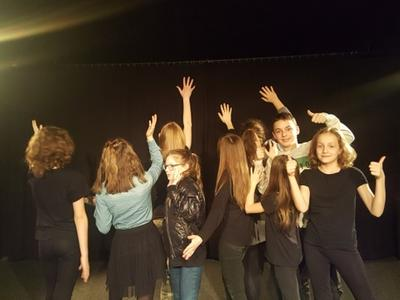 Grupa Stryk Pstryk zdobyła srebrną maskę w przeglądzie teatralnym w Zgierzu za spektakl Kapuściane o