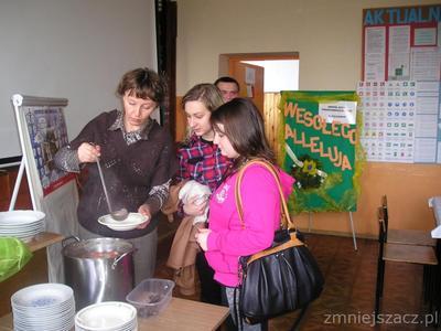 Spotkanie wielkanocne uczniów i pracowników szkoły, czyli tzw. barszczyk wielkanocny 2015