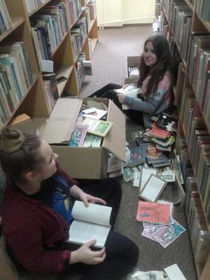 Przyjaciele biblioteki [300x400]